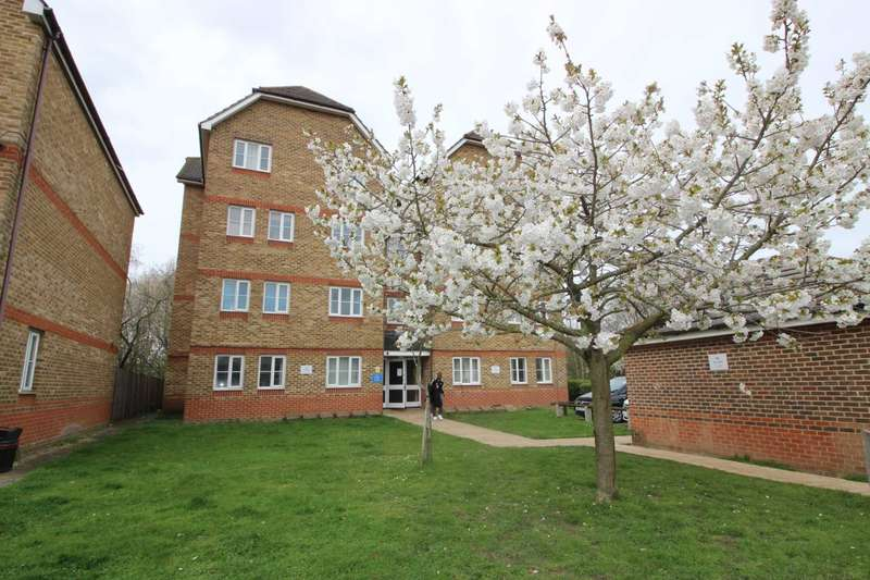 2 Bedrooms Apartment Flat for sale in Woburn Close, Thamesmead, SE28 8QZ