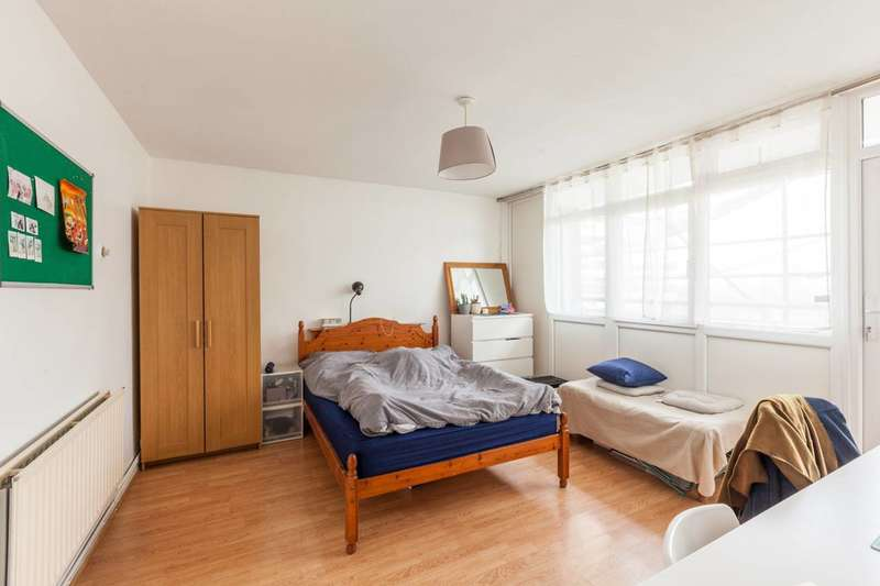 2 Bedrooms Flat for sale in Beckley House, Hamlets Way, Mile End, E3