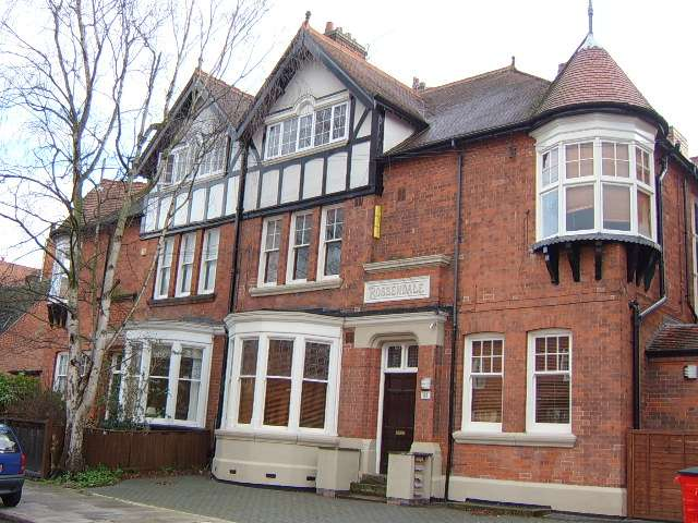 10 Bedrooms Block Of Apartments Flat for sale in Springfield Road, Clarendon Park, Leicester, LE2 3BA