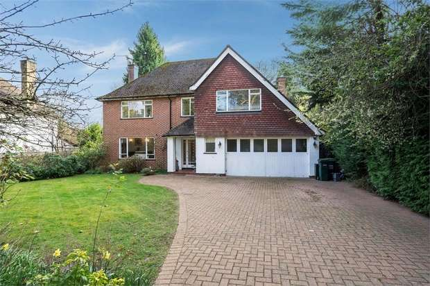 4 Bedrooms Detached House for sale in Bridle Lane, Loudwater, Rickmansworth, Hertfordshire