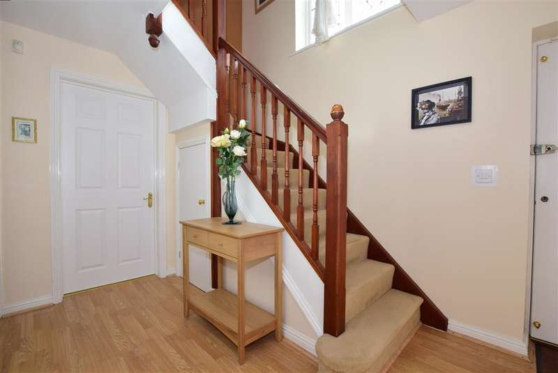 4 Bedrooms Detached House for sale in Pritchard Drive, , Hawkinge, Folkestone, Kent
