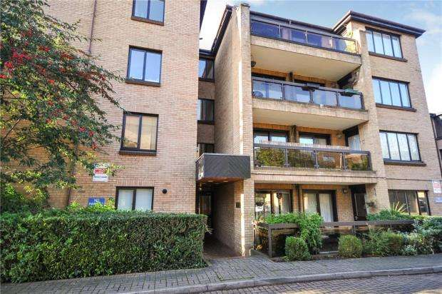 1 Bedroom Apartment Flat for sale in Andace Park Gardens, Widmore Road, Bromley