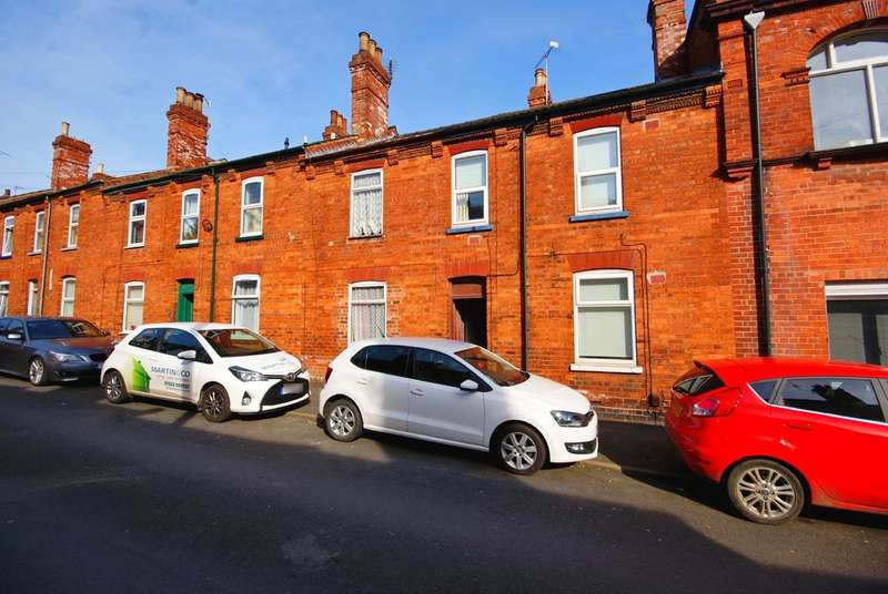2 Bedrooms Terraced House for sale in Florence Street, Lincoln LN2