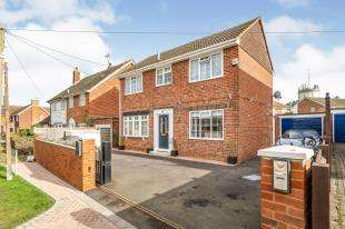 3 Bedrooms Detached House for sale in Westerhill Road, Coxheath, Maidstone, Kent