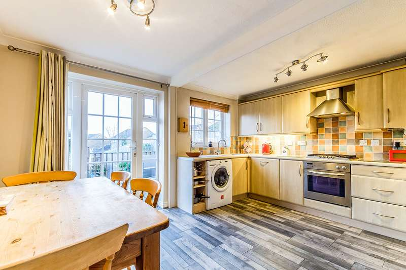 3 Bedrooms Detached House for sale in Gatcombe Close, Chatham, Kent, ME5