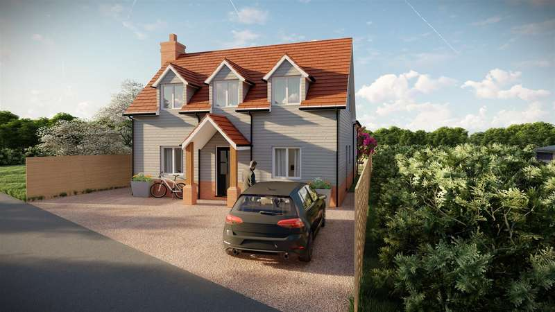 4 Bedrooms Detached House for sale in Harwich Road, Little Clacton,