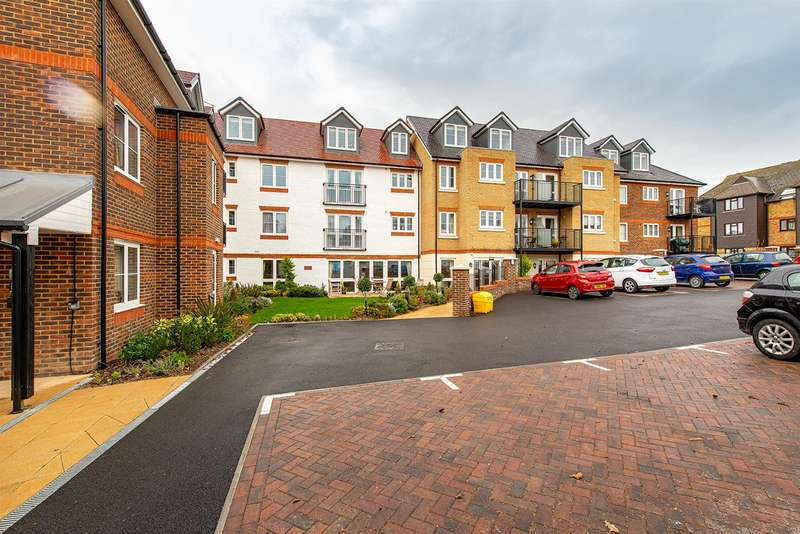 1 Bedroom Retirement Property for sale in Canterbury Road, Sittingbourne