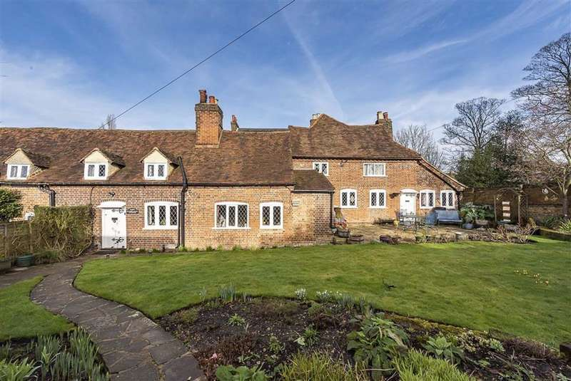 4 Bedrooms Property for sale in Kings Langley, Hertfordshire