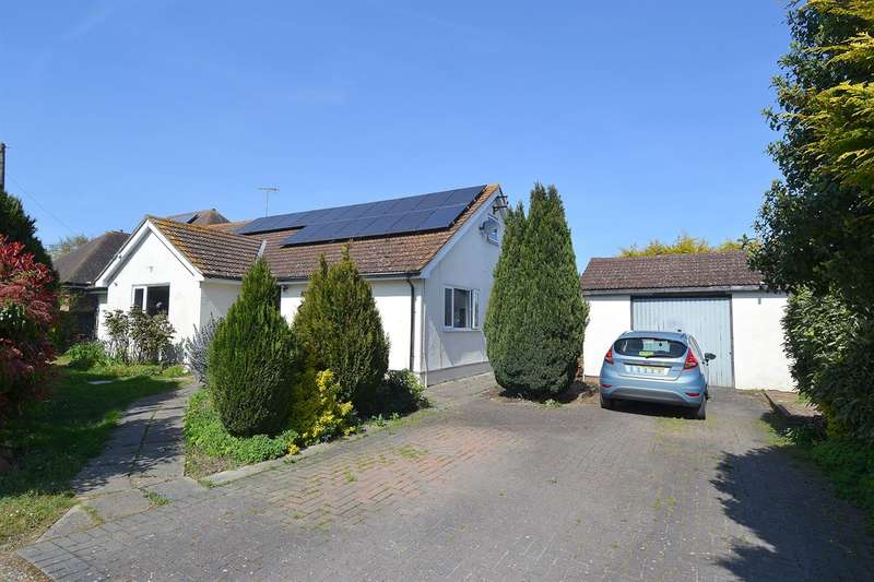 4 Bedrooms Detached Bungalow for sale in Grasmere Road, Chestfield, Whitstable