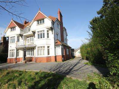12 Bedrooms Detached House for sale in South Road, Porthcawl