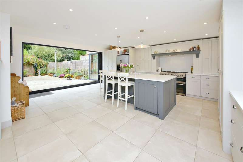5 Bedrooms Detached House for sale in Grange Lane, Letchmore Heath