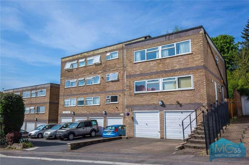 2 Bedrooms Maisonette Flat for sale in Lowndes Lodge, Hadley Road, Barnet, Hertfordshire, EN5
