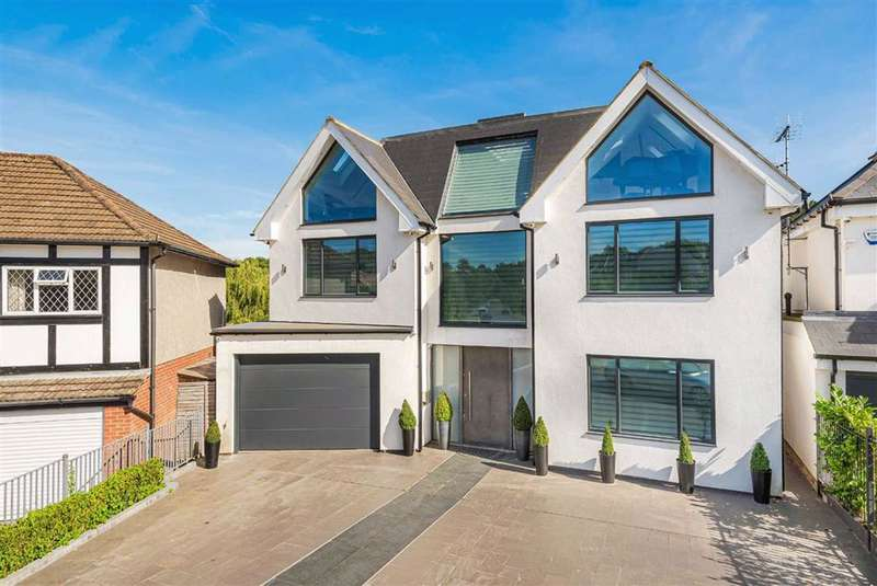 6 Bedrooms House for sale in Parkgate Avenue, Hadley Wood, Hertforshire