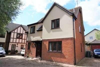 4 Bedrooms House for rent in Aylesbury Mews, Noak Bridge, Basildon
