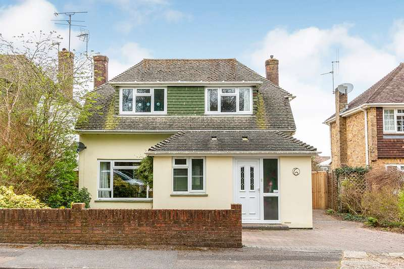 4 Bedrooms Detached House for sale in Esher Close, Basingstoke, Hampshire, RG22