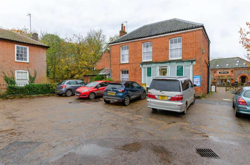 3 Bedrooms Detached House for sale in Mattishall, NR20