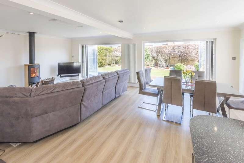 4 Bedrooms Detached Bungalow for sale in Fareham, Hampshire