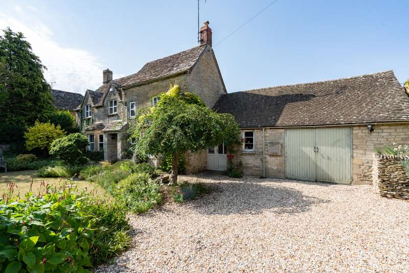 4 Bedrooms Cottage House for sale in Arlington, Bibury, Cirencester, Gloucestershire