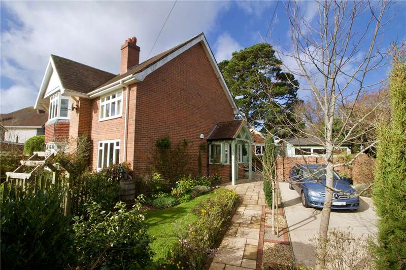 5 Bedrooms Detached House for sale in Dilly Lane, Barton On Sea, Hampshire, BH25