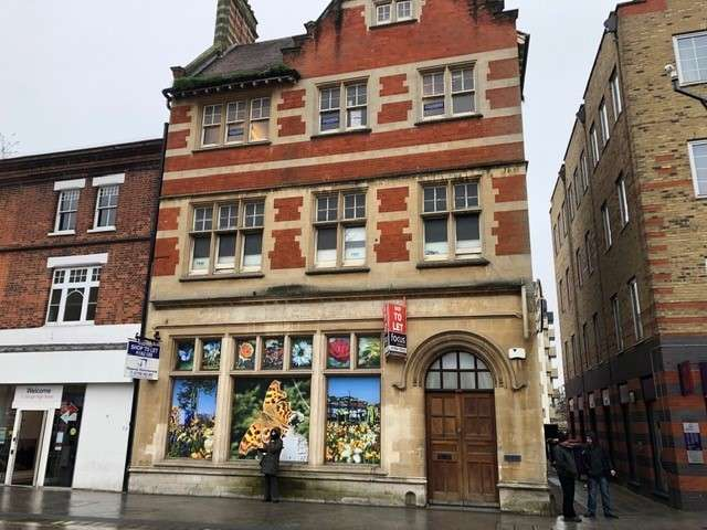 Office Commercial for rent in 124 High Street