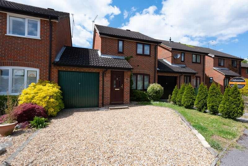 3 Bedrooms House for rent in Gleneagles Drive, Farnborough, GU14