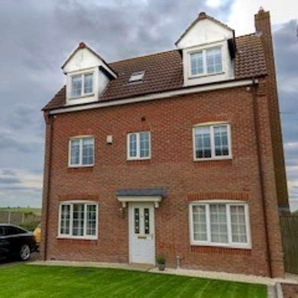 5 Bedrooms Detached House for sale in Studcross, Epworth, Doncaster, South Yorkshire, DN9