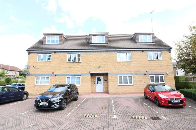 1 Bedroom Flat for sale in Symonds Court, Cheshunt, Waltham Cross, Hertfordshire