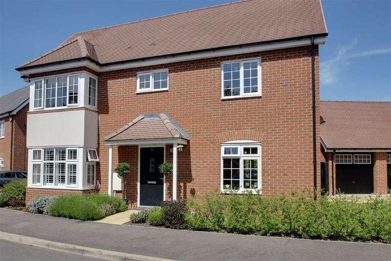 4 Bedrooms Detached House for sale in Elizabeth II Avenue, Berkhamsted