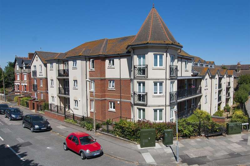 1 Bedroom Retirement Property for sale in The Grove, Westgate-On-Sea