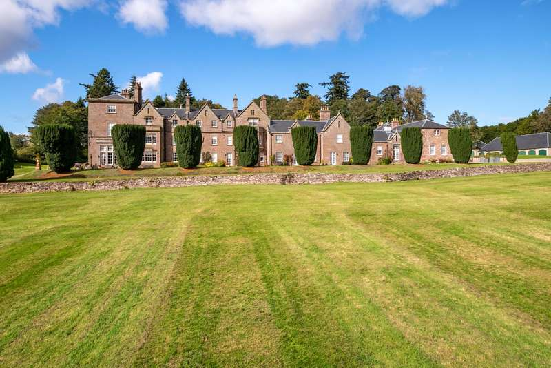 2 Bedrooms Apartment Flat for sale in 2 Arthurstone House, Meigle, Blairgowrie, PH12
