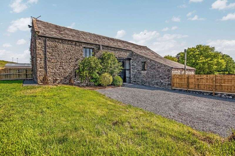 4 Bedrooms Property for sale in Stunning characterful barn conversion