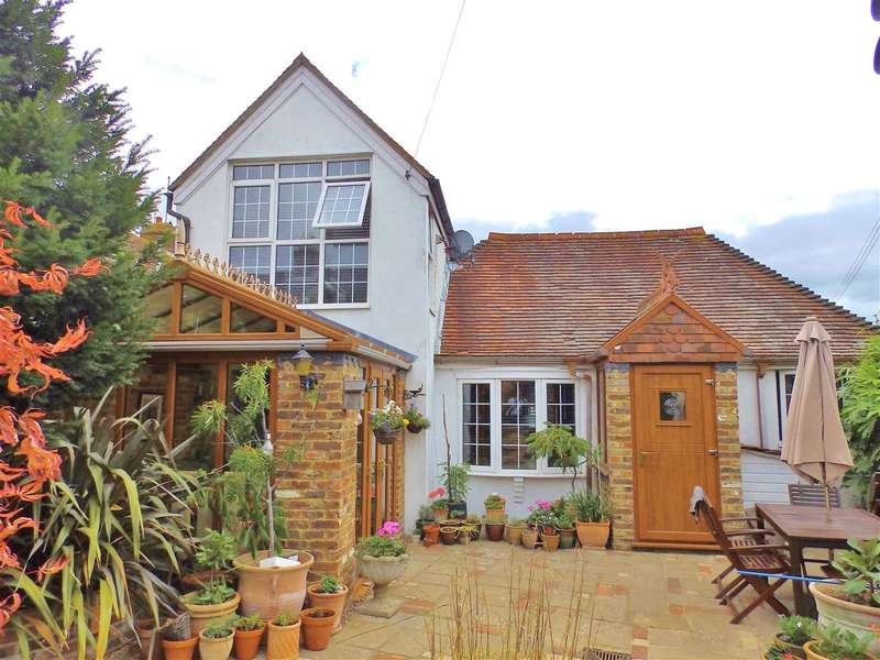 2 Bedrooms Detached House for sale in The Stable, New Road, Polegate