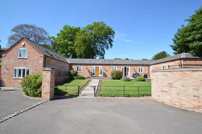 4 Bedrooms Detached House for sale in Rooks Barn, Tollerton Hall, Nottingham