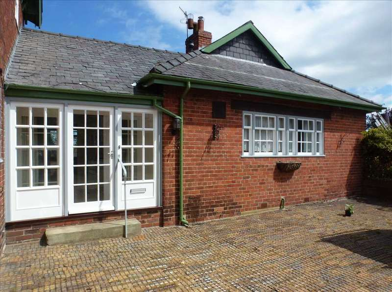 2 Bedrooms Bungalow for rent in The Coach House, 18A Muston Road, Hunmanby
