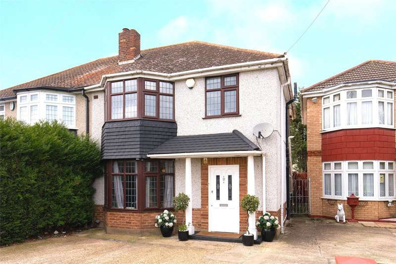 3 Bedrooms Semi Detached House for sale in Wensleydale Avenue, Ilford, IG5