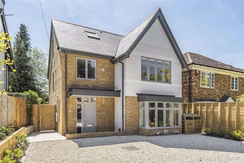 5 Bedrooms Detached House for sale in Woodlands Road, Bushey, Hertfordshire