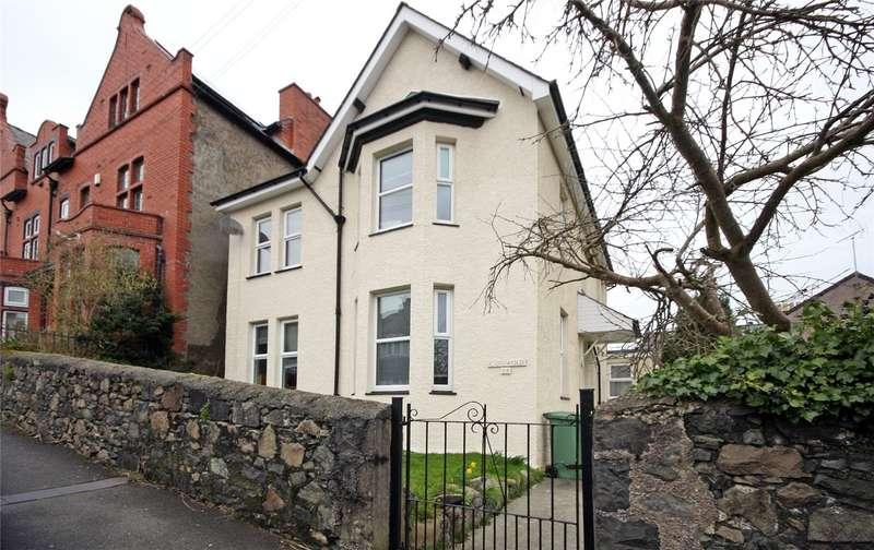 5 Bedrooms Detached House for sale in Farrar Road, Bangor, Gwynedd, LL57