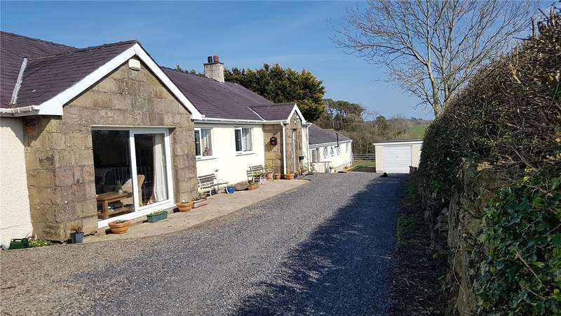 4 Bedrooms Detached Bungalow for sale in Tregaian, Llangefni, Anglesey, LL77