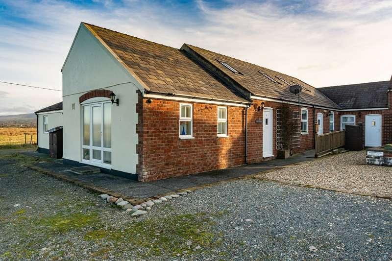 3 Bedrooms End Of Terrace House for sale in Parc Llanfair, Dinas Dinlle, Caernarfon, LL54