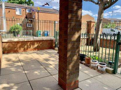 1 Bedroom Flat for sale in Chelford Close, Manchester, Greater Manchester