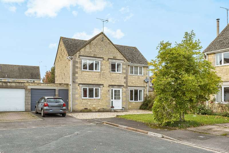 4 Bedrooms Detached House for sale in Alexander Drive, Cirencester