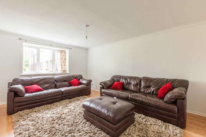 2 Bedrooms Flat for sale in Abbey Lane, Stratford, E15