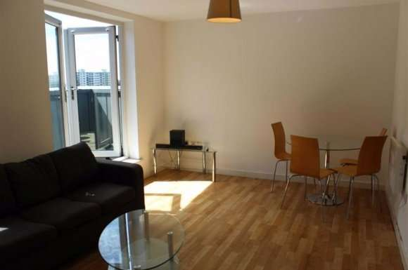 2 Bedrooms Property for sale in Delta Point, Salford