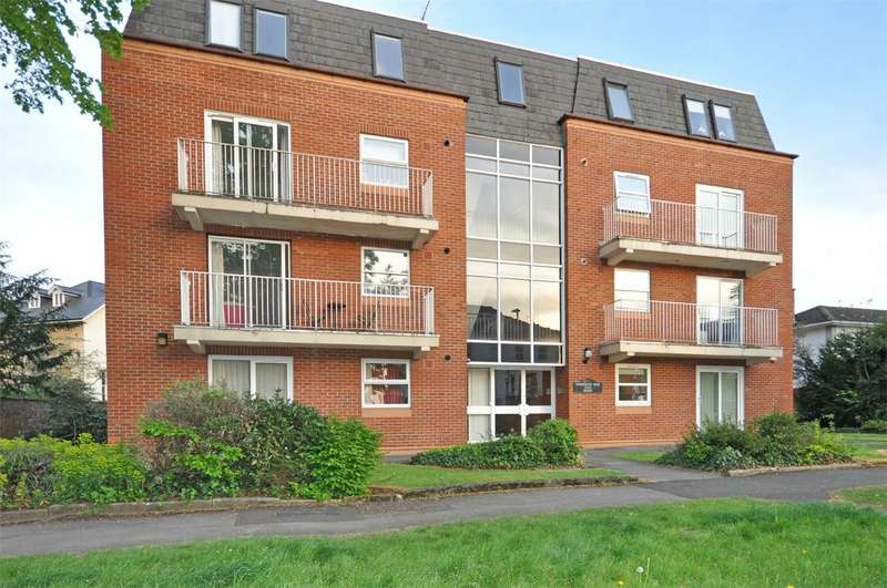 2 Bedrooms Flat for rent in Christchurch Road, Cheltenham, Gloucestershire
