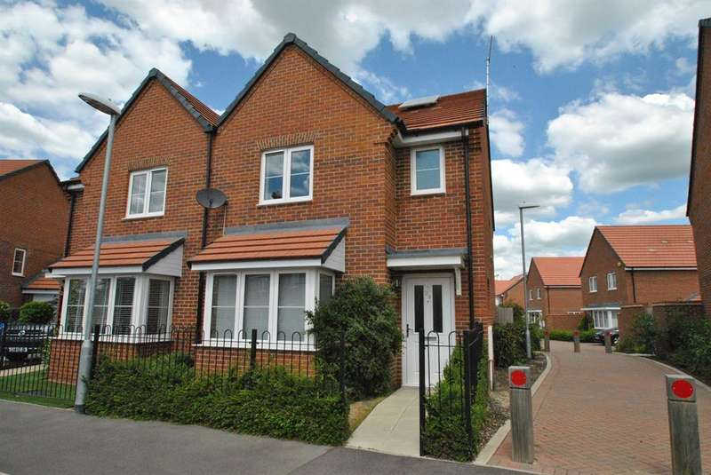 3 Bedrooms Semi Detached House for sale in Stearn Way, Buntingford, SG9 9GH