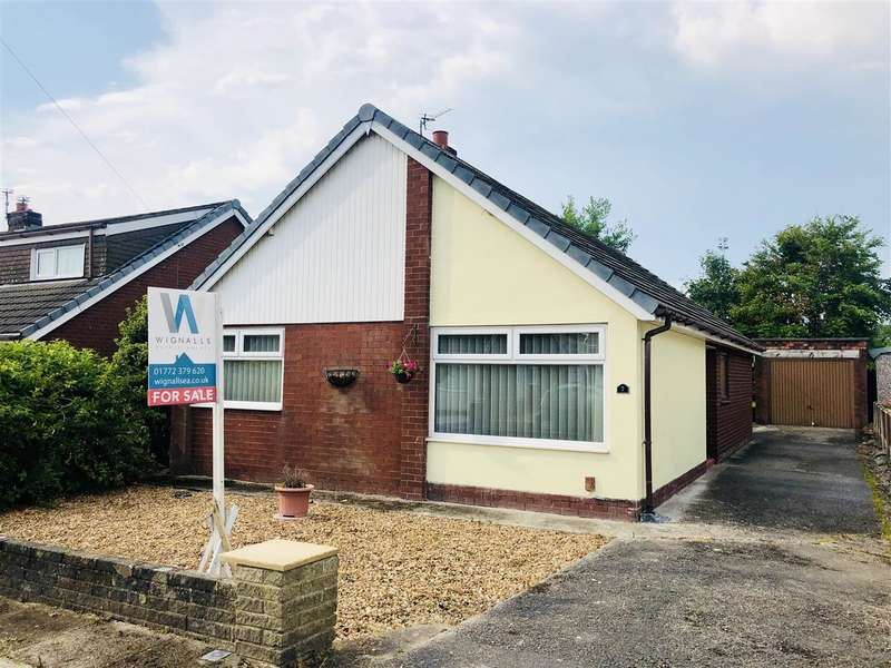 3 Bedrooms Bungalow for sale in Kirkham Close, Leyland