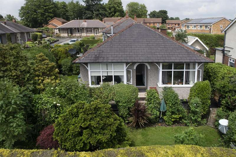 3 Bedrooms Detached Bungalow for sale in South View Grove, Little Gomersal, Cleckheaton