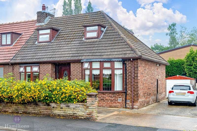 3 Bedrooms Semi Detached Bungalow for sale in Jean Avenue, Pennington, Leigh, Greater Manchester. WN7 3LX