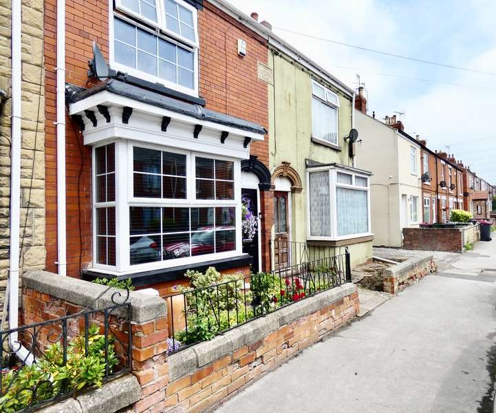 3 Bedrooms Terraced House for sale in Silverdales, Sheffield, South Yorkshire, S25