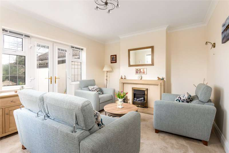 3 Bedrooms Detached House for sale in Cleeve Lawns, Downend, Bristol, BS16